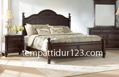 Tempat Tidur Minimalis Semi Clasic