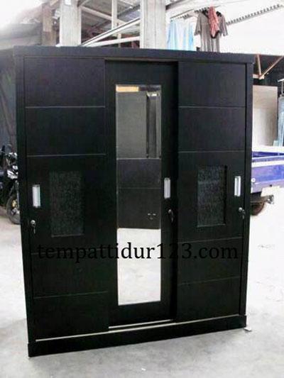 Lemari Minimalis Kaca 3 Pintu Pesanan Ny. Helmy Surabaya