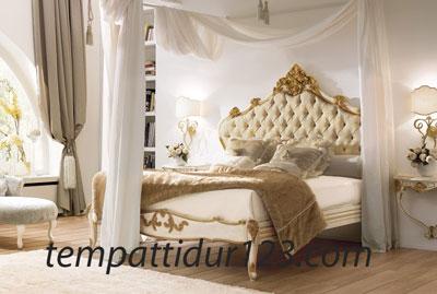 Tempat Tidur Ukir Putih Duco