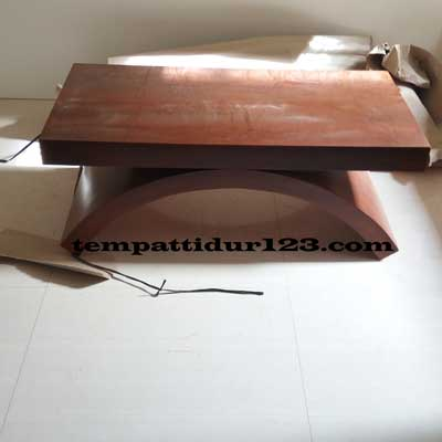 Meja Lengkung Minimalis Order Bapak Made Pasar Rebo
